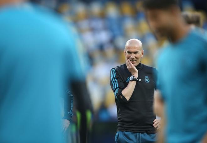 mourinho - photo 1 15394185653182129811061 - Quên Zidane đi, người thay Mourinho hợp nhất phải là Conte