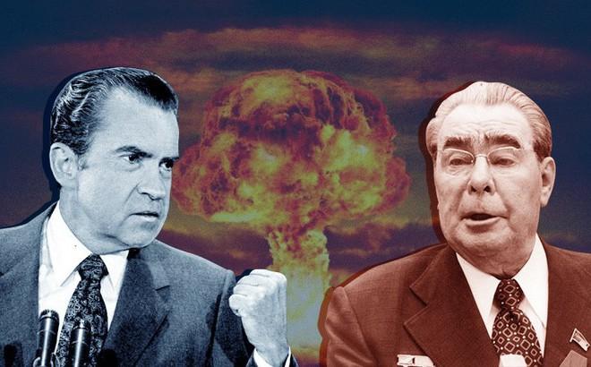 """Tình tiết bất ngờ suýt đẩy Mỹ, Liên Xô """"mộng du"""" rơi vào chiến tranh hạt nhân"""
