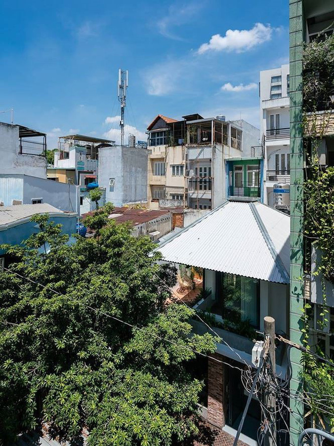 """Độc đáo """"ngôi nhà ô"""" ở Sài Gòn được báo Tây khen hết lời - Ảnh 1."""