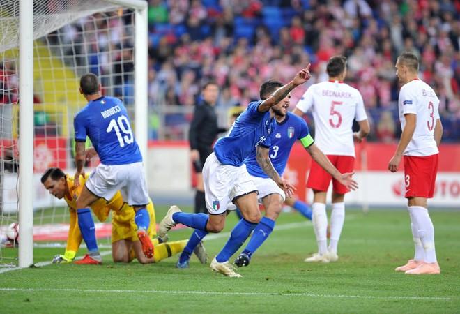 Italia ghi bàn phút bù giờ, tiễn Lewandowski và đồng đội xuống hạng - Ảnh 6.