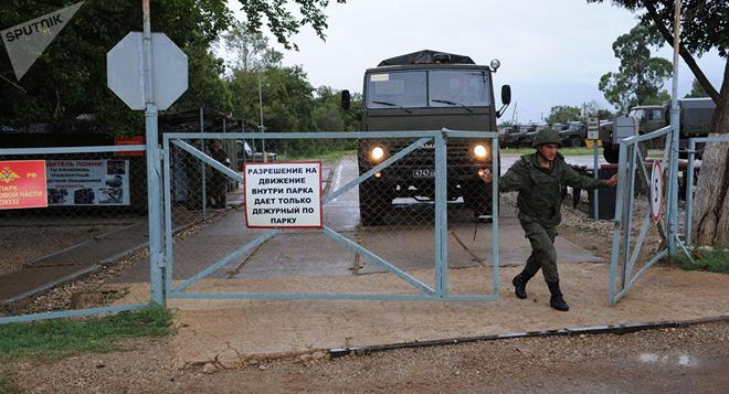 QĐ Nga đổ máu: Cú áp-phe vũ khí của Trung tá Dolgopolov - Hậu quả vô cùng nghiêm trọng - Ảnh 6.