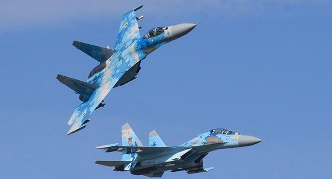 Tiêm kích Su-27 Ukraine vừa rơi khi không chiến với F-15, phi công Mỹ thiệt mạng - Ảnh 2.