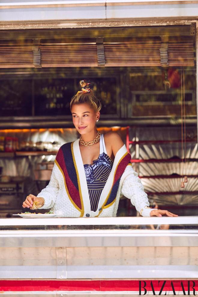 Hailey Baldwin khoe dáng cực sexy trong siêu thị và bày tỏ mong muốn có con với Justin Bieber - Ảnh 3.