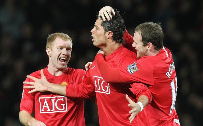 Từng sát cánh cùng nhau 6 năm trời, Paul Scholes nói lời khiến Ronaldo suy sụp
