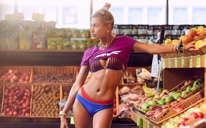 Hailey Baldwin khoe dáng cực sexy trong siêu thị và bày tỏ mong muốn có con với Justin Bieber