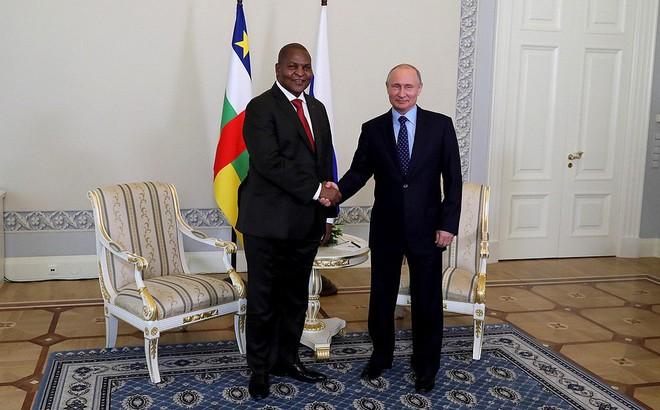 Nga mở rộng tầm ảnh hưởng sang châu Phi, đe dọa 'địa bàn hoạt động' của Trung Quốc