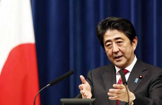 Mối lo sát sườn khiến Nhật Bản phải sửa đổi hiến pháp hòa bình, rầm rộ tập trận - Ảnh 1.