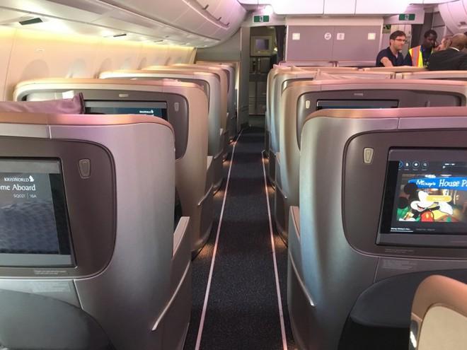 Bên trong máy bay phục vụ đường bay thẳng dài nhất thế giới có gì đặc biệt? - Ảnh 9.