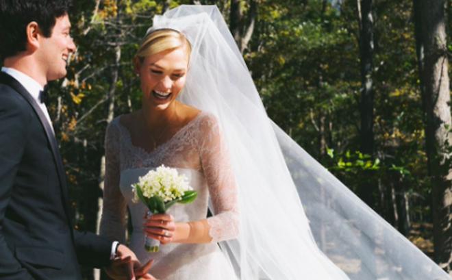 Đám cưới cổ tích đang rầm rộ nhất Hollywood: Karlie Kloss kết hôn với em trai con rể Tổng thống Mỹ