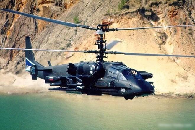 """Cận cảnh trực thăng """"cá sấu"""" Kamov Ka-52 rất lợi hại của quân đội Nga - Ảnh 2."""
