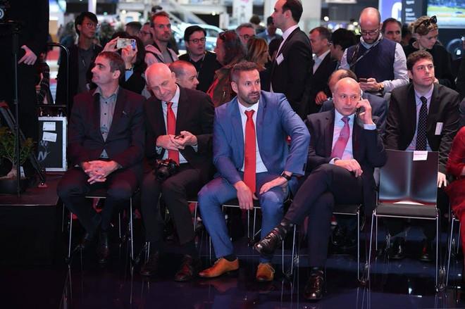David Beckham chính thức xuất hiện, chuẩn bị cho lễ ra mắt xe hơi VINFAST - Ảnh 10.