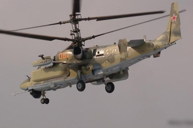"""Cận cảnh trực thăng """"cá sấu"""" Kamov Ka-52 rất lợi hại của quân đội Nga - Ảnh 8."""