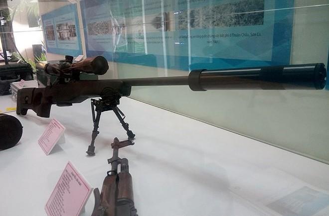 Súng bắn tỉa khủng CS Đặc nhiệm dùng vây bắt kẻ ôm lựu đạn cố thủ ở Nghệ An là loại gì? - Ảnh 1.