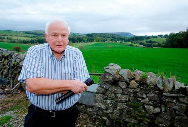 'Quái vật Cumbria' lần đầu tiên bị bắt gặp trên máy ảnh hồng ngoại - Ảnh 1.