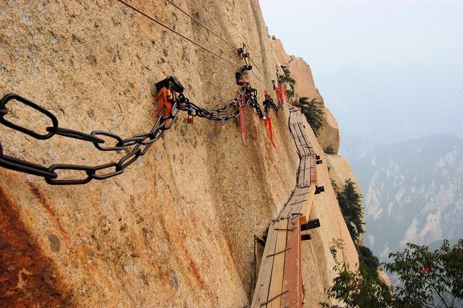 16 cầu thang đáng sợ nhất trên thế giới mà ai nhìn thấy cũng phải bủn rủn chân tay - Ảnh 13.