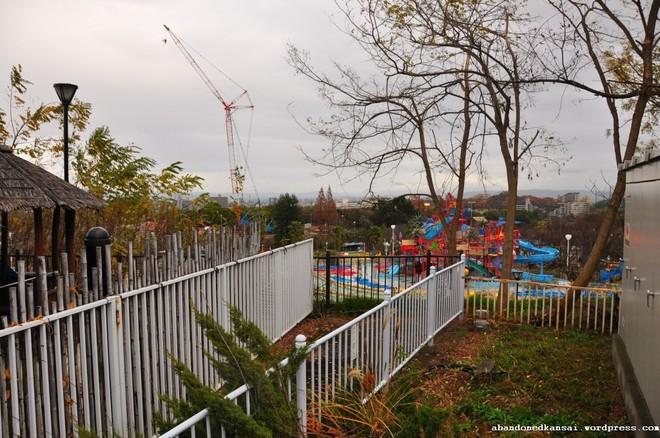 Expoland: Từ công viên hàng đầu Nhật Bản bỗng hóa nơi hoang phế không một bóng người sau tai nạn đáng sợ của nữ du khách - Ảnh 4.