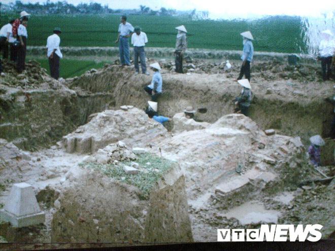 Lạc vào những ngôi mộ cổ khổng lồ như cung điện trong lòng đất ở Hải Dương - Ảnh 2.
