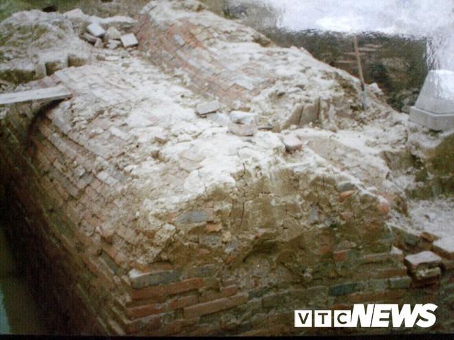 Lạc vào những ngôi mộ cổ khổng lồ như cung điện trong lòng đất ở Hải Dương - Ảnh 4.