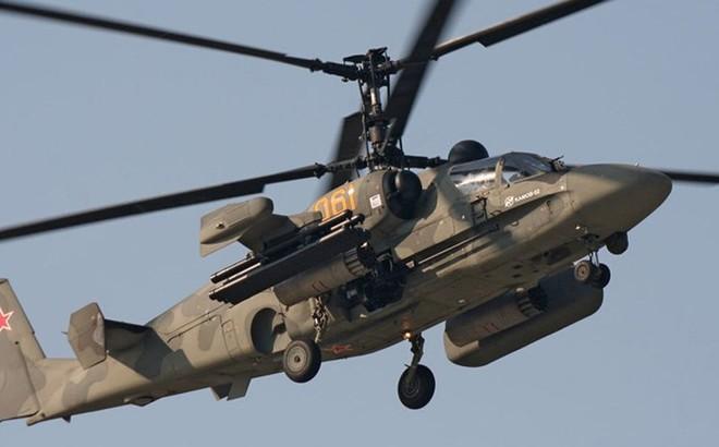 """Cận cảnh trực thăng """"cá sấu"""" Kamov Ka-52 rất lợi hại của quân đội Nga"""