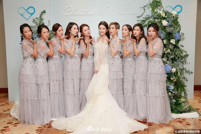Hoa hậu ân ái trong ô tô tổ chức đám cưới đổi đời với đại gia Hong Kong, đeo nhẫn kim cương 5 tỷ trên tay - Ảnh 7.