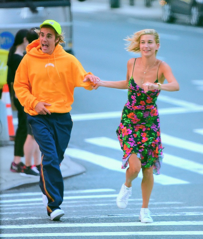Tiết lộ về cảm xúc sốc toàn tập của Selena Gomez khi biết tin Justin Bieber đã kết hôn với Hailey - Ảnh 2.