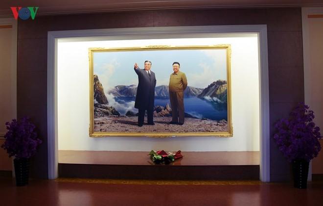 Cận cảnh quy trình rèn giũa các cô giáo tương lai của Triều Tiên - Ảnh 2.