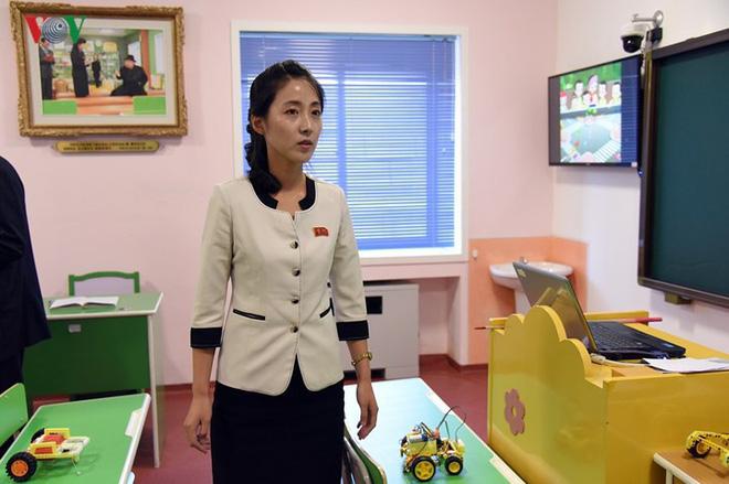 Cận cảnh quy trình rèn giũa các cô giáo tương lai của Triều Tiên - Ảnh 12.
