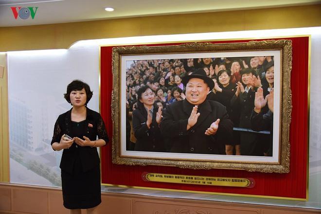 Cận cảnh quy trình rèn giũa các cô giáo tương lai của Triều Tiên - Ảnh 3.