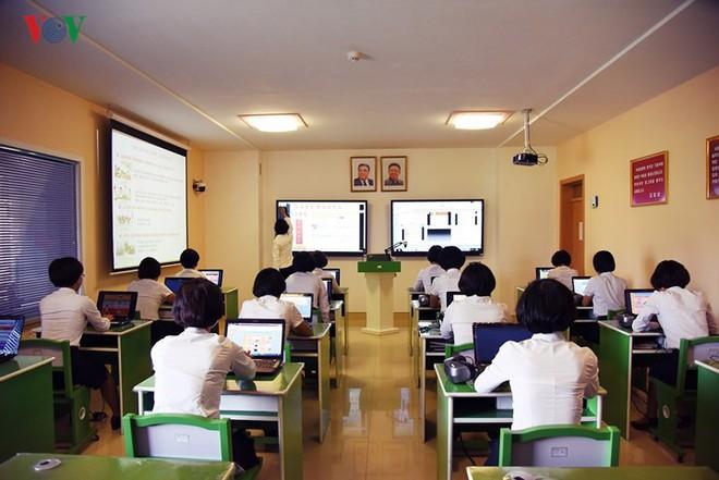 Cận cảnh quy trình rèn giũa các cô giáo tương lai của Triều Tiên - Ảnh 5.