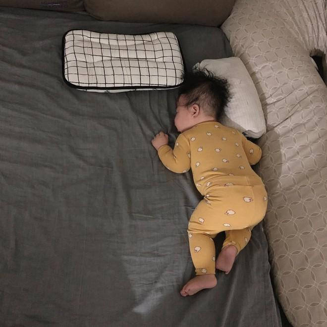 Slogan từ 1001 kiểu ngủ say của cậu nhóc Hàn Quốc: Chủ nhật chỉ cần ngủ đủ chứ chả cần ai! - Ảnh 5.