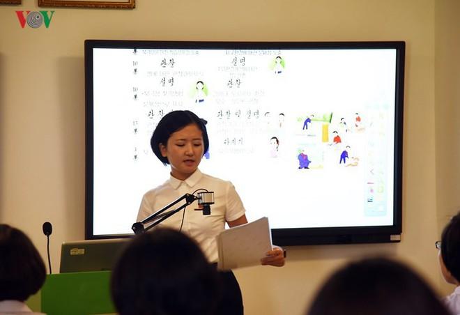 Cận cảnh quy trình rèn giũa các cô giáo tương lai của Triều Tiên - Ảnh 6.