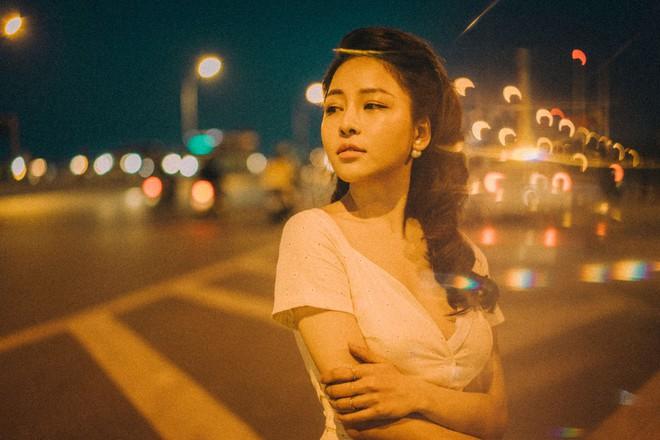 Hot girl Trâm Anh tiếp tục chụp ảnh sexy, hé lộ tin nhắn mời đi khách - Ảnh 6.