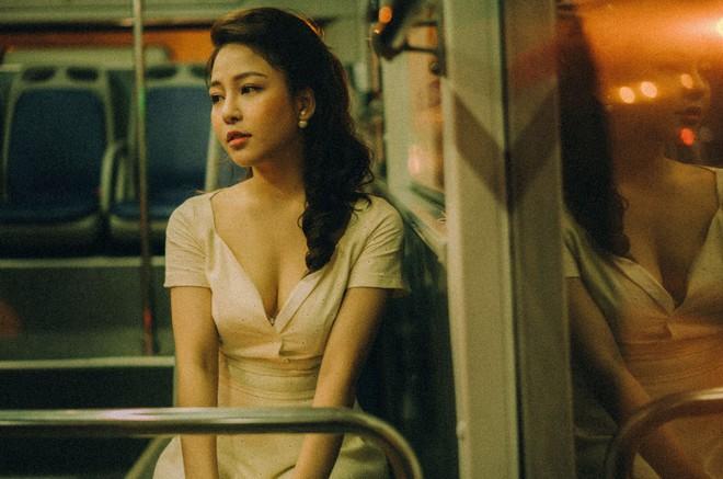 Hot girl Trâm Anh tiếp tục chụp ảnh sexy, hé lộ tin nhắn mời đi khách - Ảnh 9.