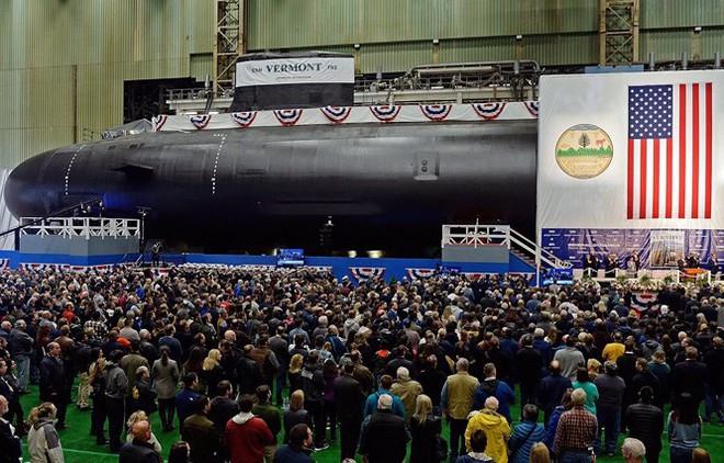Hải quân Mỹ hạ thủy 2 tàu ngầm nguyên tử tấn công lớp Virginia - Ảnh 1.