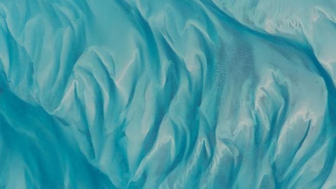 Trái đất đẹp không thể tin nổi dưới góc nhìn của phi hành gia trong gần một năm ngoài vũ trụ - Ảnh 1.