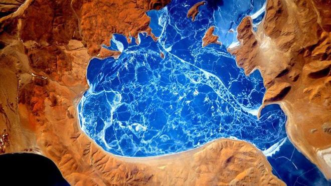 Trái đất đẹp không thể tin nổi dưới góc nhìn của phi hành gia trong gần một năm ngoài vũ trụ - Ảnh 5.