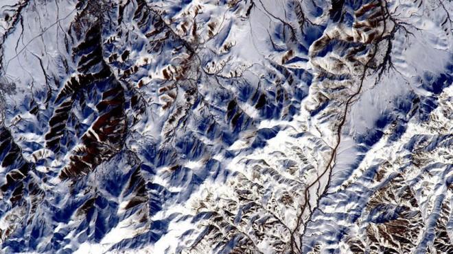 Trái đất đẹp không thể tin nổi dưới góc nhìn của phi hành gia trong gần một năm ngoài vũ trụ - Ảnh 8.
