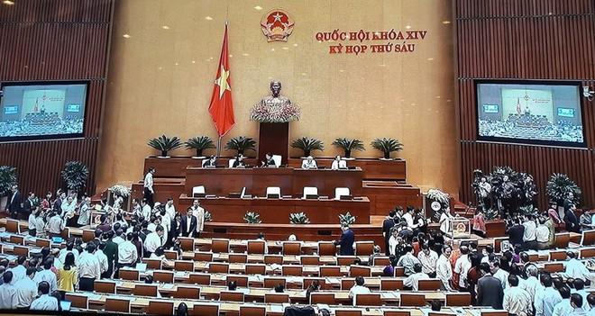 Quốc hội bỏ phiếu kín bầu Tổng Bí thư Nguyễn Phú Trọng làm Chủ tịch nước - Ảnh 2.
