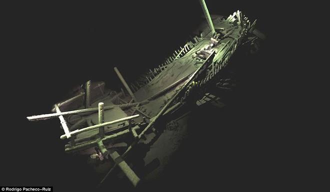 Thám hiểm vùng chết sâu 2.000m ở Biển Đen, phát hiện xác tàu cổ nhất trong lịch sử  - Ảnh 4.