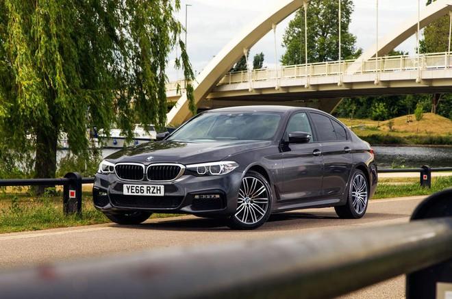 Dòng xe BMW 5-series nữ tài xế điều khiển gây tai nạn kinh hoàng được ứng dụng công nghệ an toàn nào? - Ảnh 2.