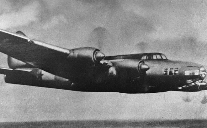 Không kích Berlin thành công, binh sĩ Liên Xô được thưởng khoản tiền đủ mua 100 kg thịt