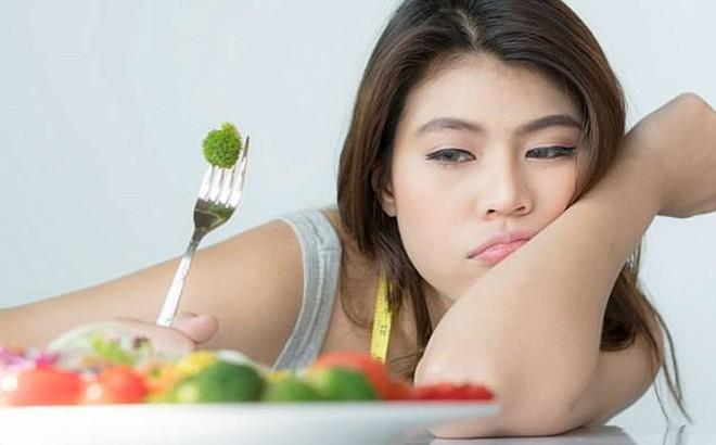 Lý do bạn không nên ăn một mình