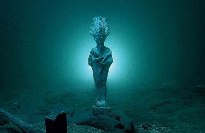 Những thứ kì lạ đến không tưởng mà người ta tìm thấy dưới đáy đại dương - Ảnh 1.