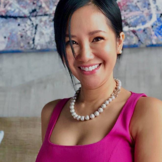 Bất ngờ với hình ảnh nóng bỏng của diva Hồng Nhung ở tuổi U50 - Ảnh 2.