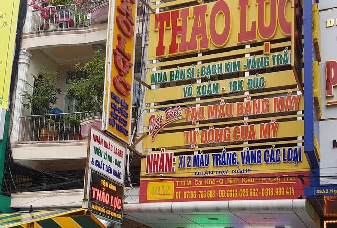 Bán 100 USD bị phạt 90 triệu ở Cần Thơ: Vì sao quyết định khám tiệm vàng có trước 6 ngày xảy ra vụ đổi tiền? - Ảnh 4.