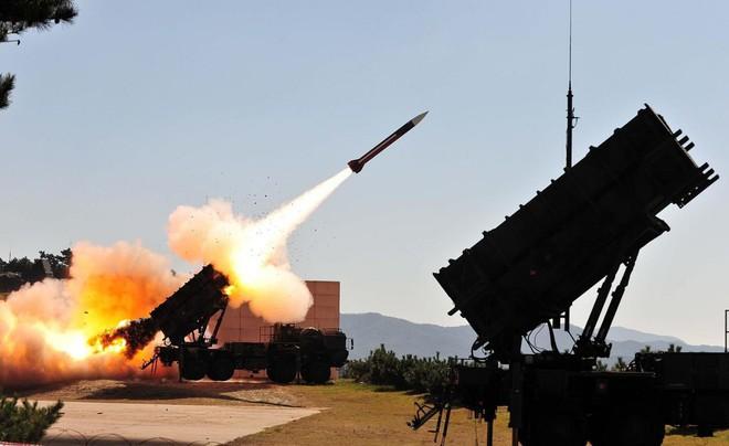 Thứ trưởng QP Nga: Tên lửa Patriot Mỹ không có cửa so với S-300 chứ đừng nói tới S-400! - Ảnh 1.