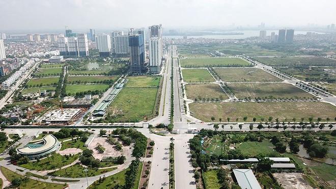 Mãn nhãn với con đường có 10 làn chuẩn bị thông xe ở Hà Nội - Ảnh 2.