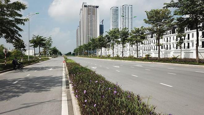 Mãn nhãn với con đường có 10 làn chuẩn bị thông xe ở Hà Nội - Ảnh 7.