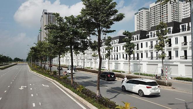 Mãn nhãn với con đường có 10 làn chuẩn bị thông xe ở Hà Nội - Ảnh 8.