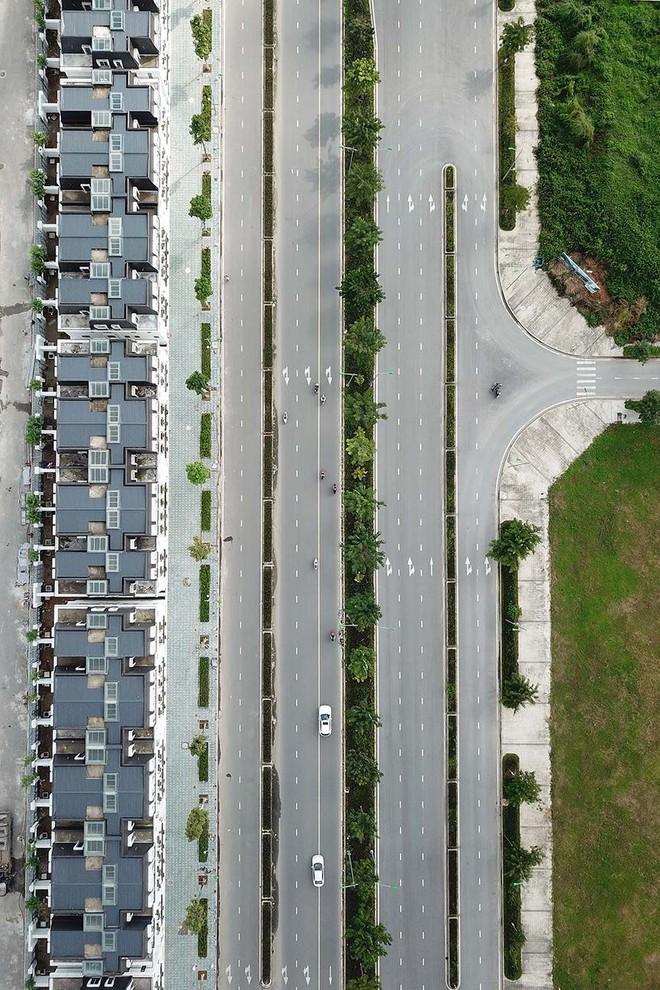 Mãn nhãn với con đường có 10 làn chuẩn bị thông xe ở Hà Nội - Ảnh 10.